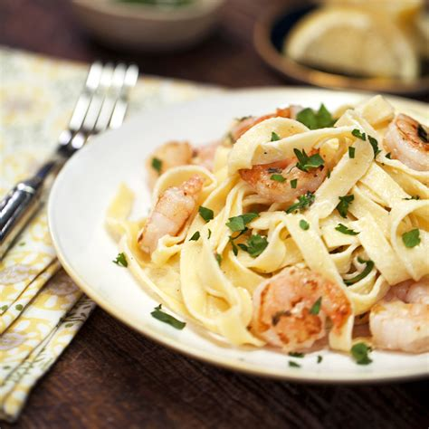fettuccine alfredo shrimp fettuccine alfredo recipe myrecipes