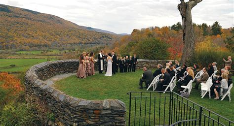 Destination Ahead: Wedding Venues and Weekend Getaways in