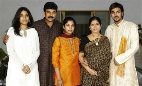 actor ram charan height ram charan with his family lovely telugu
