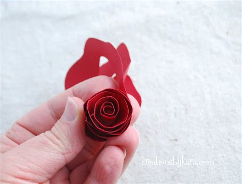 How To Make Roses Out Of Paper Easy - rolled paper roses tutorial 003 creations by kara