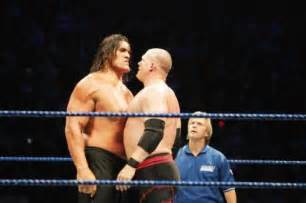 how much can the great khali bench press vs khali