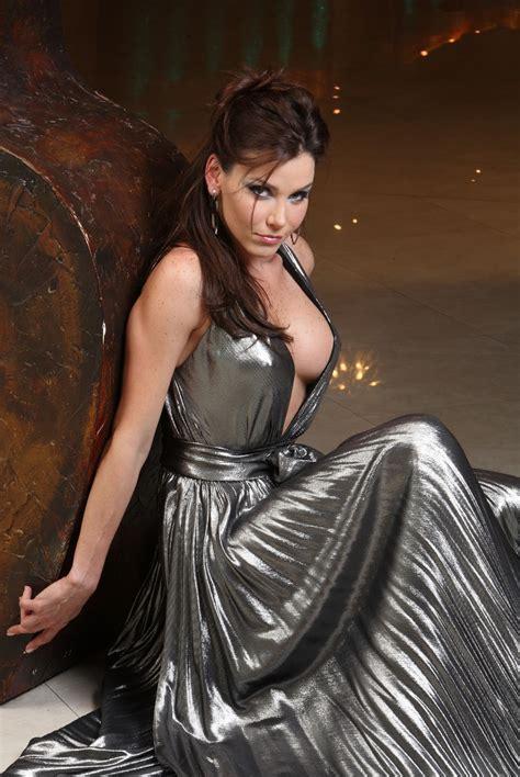 Set Kirana Dress gabriela vergara eventos magazine february 2008 set 2