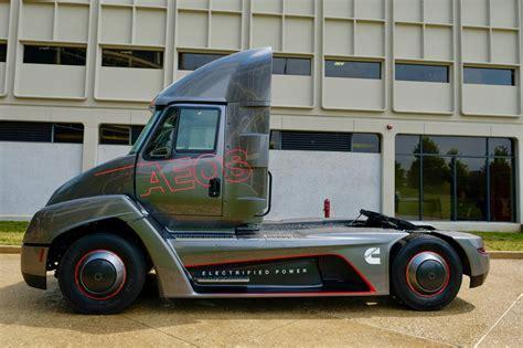electric semi truck cummins beats tesla with a fully electric semi truck