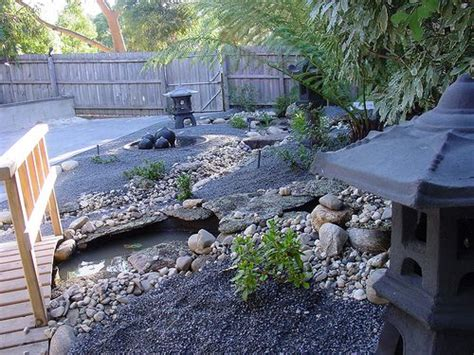 Asian Backyard Landscaping Ideas Asian Themed Backyards This Is A Wonderful Exle Of The Use Of Water Hardscape Elements