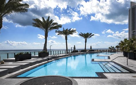 porsche design tower pool myrta pools per la porsche design tower di miami area