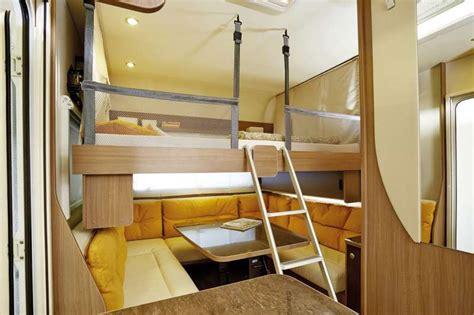 caravan con letto basculante b 252 rstner premio plus 510 tk colpo d occhio sulla caravan