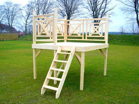 terrazza in legno terrazza in legno per piscine fuori terra in legno jardin