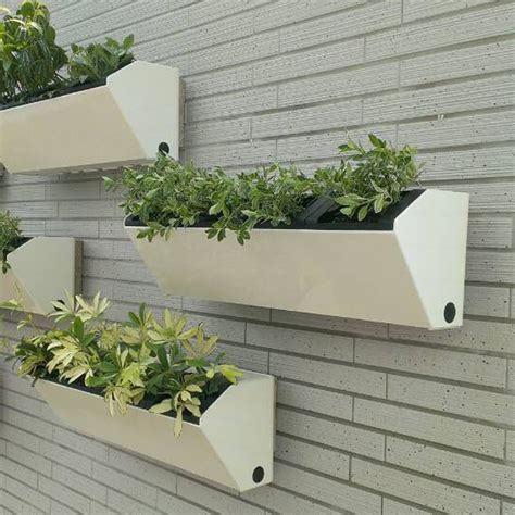 22 5 quot vesi self watering vertical wall planter pride