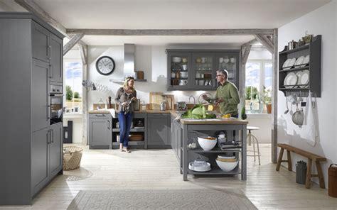 Schöne Küchen In Grau by Wohnzimmer Rot Weiss Schwarz