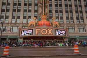 thanksgiving day parade in detroit photos america s thanksgiving day parade in downtown detroit