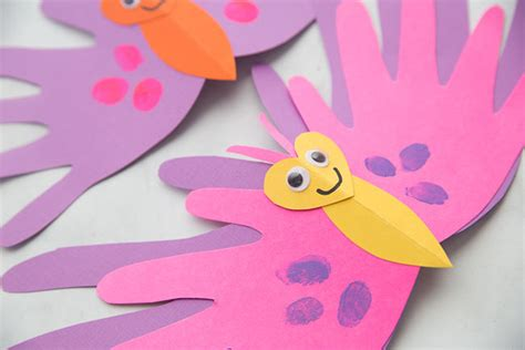 adorable diy mothers day craft butterfly handprint card