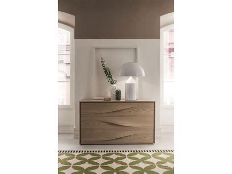 comodini design outlet 242 e comodini in legno con design maniglia onda in