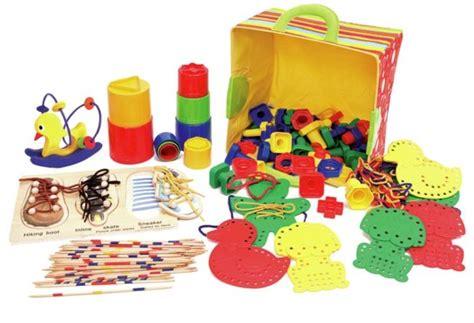 giochi bimbi 3 anni in casa montessori a casa attivit 224 dai 2 ai 3 anni mamma felice