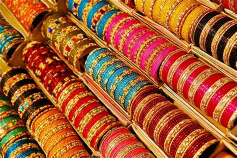 Perfect Wedding Bangles For The Perfect Fashion Statement