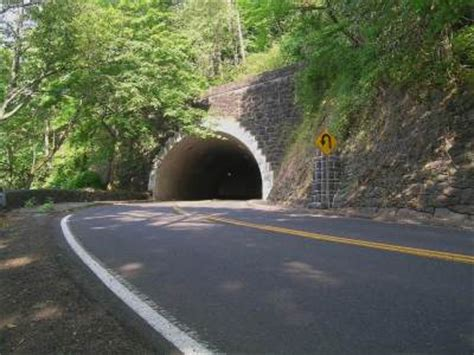 bridgehunter.com | rocky butte tunnel
