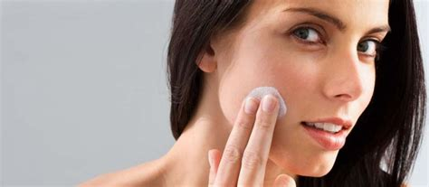 Create Skin That Acts Younger by Make Your Skin Younger Looking And Glowing With These