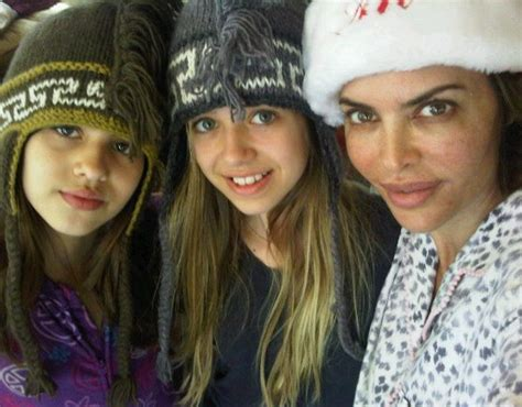 does lisa rinna havd kids lisa rinna shows off makeup free face daughters photo