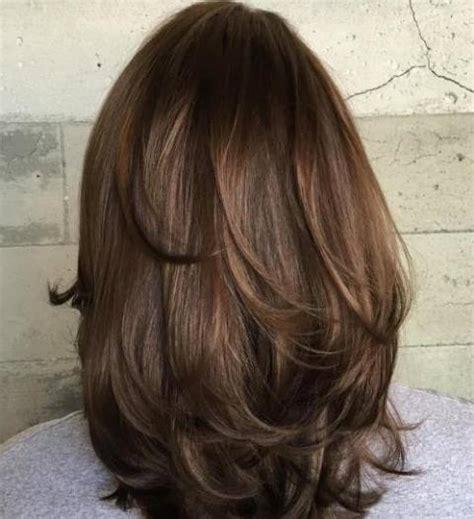 potongan rambut layer oval pendek  model