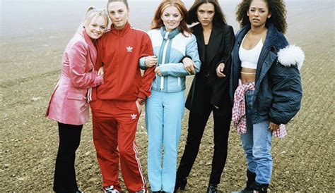 Mode des années 90 : les looks souvenirs   Cosmopolitan.fr