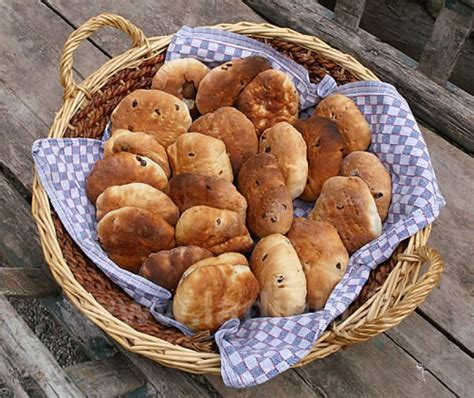 ladari a forma di ladina cucina ladina crosti ladinia