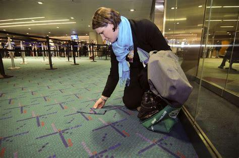 Karpet Lantai Yang Bagus ini fungsi karpet yang ada di lantai bandara