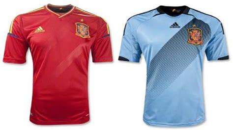 Jersey Klasik Persib mei 2012 sepak bola