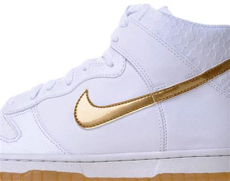 Nike Air 1 High White Un Aunthorized Sepatu Olahraga Pria nike dunk high premium mighty crown edition mens health network