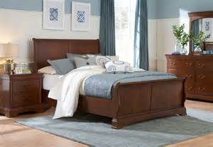 sleigh bedroom set 1000 ideas about cherry sleigh bed on pinterest sleigh beds sherwin williams sea salt and
