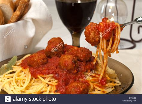 red wine with spaghetti and meatballs spaghetti and meatballs dinner with red wine garlic bread
