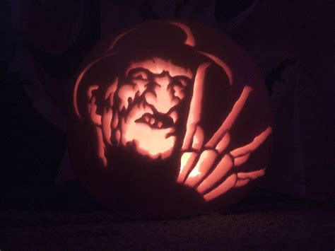 pumpkin carving freddy krueger by xxshmeexxzimxx on deviantart