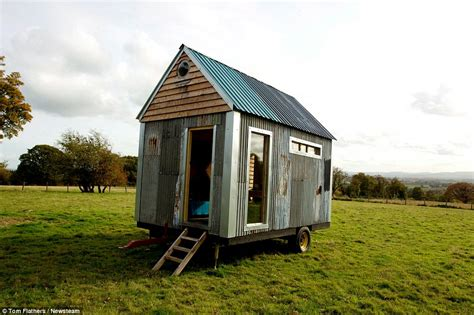 build a tiny house for 1000 build tiny cabin from scrap for just 163 1 000 so they