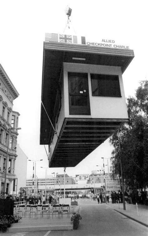 Bureau Berlin by Il Y A 25 Ans Le D 233 Mant 232 Lement De Checkpoint Le