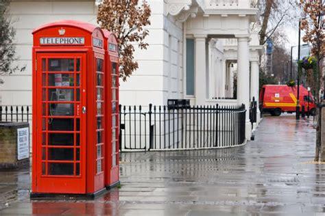cabine telefoniche londinesi il giornale dell isola felice anno 3 176 settimana