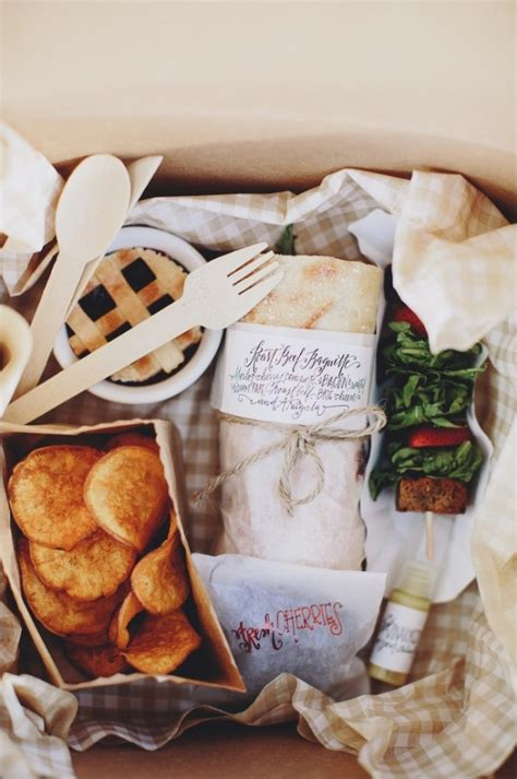 Wedding Box Lunch Ideas by Eclectic Midwest Wedding In The Great Outdoors