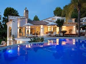 Biggest Backyard Pool In The World Take A Dip Homes With Spectacular Swimming Pools Sotheby S