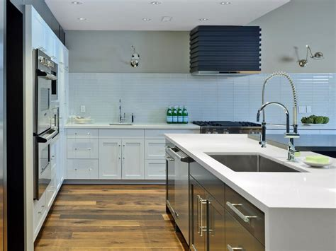 kitchens without backsplash 15 design ideas for kitchens without upper cabinets