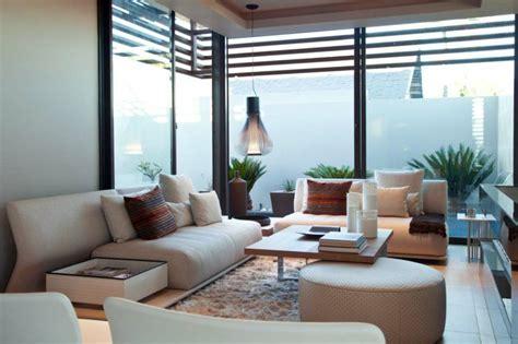 htons contemporary home design decor show mesas auxiliares de sal 243 n para aprovechar en el interior