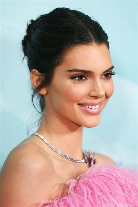 kendall jenner enters cosmetics market  oral care