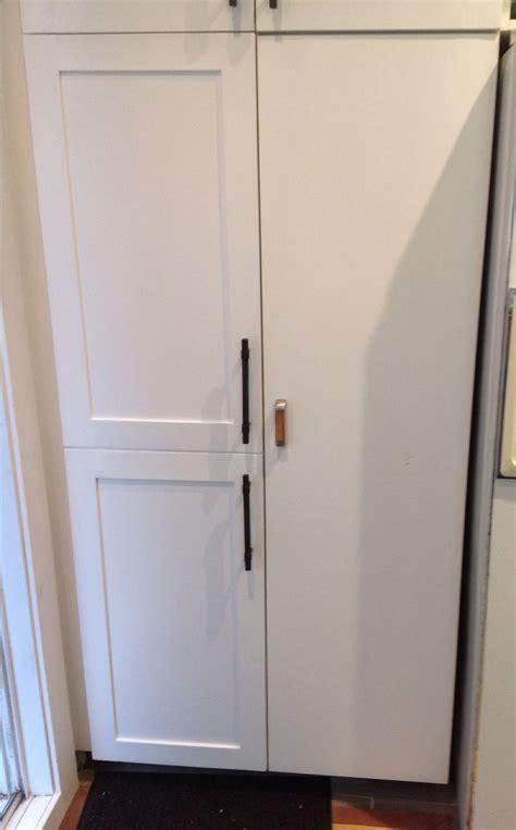 penture porte armoire cuisine transformer vos portes d armoires de cuisine avec moulures