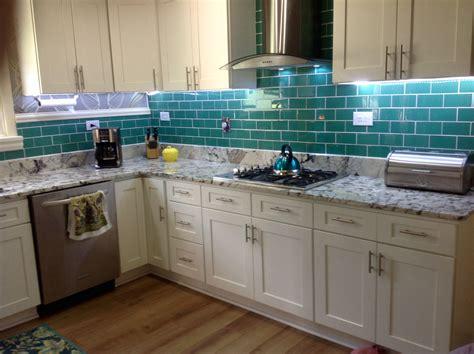 modern kitchen subway tile kitchen backsplash ideas