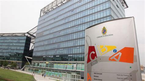 ufficio oggetti smarriti bologna bologna restituiti quasi 200 oggetti smarriti in un mese