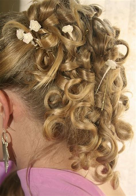 hairstyles for curly hair bridesmaids curly hairstyles for bridesmaids