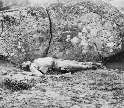 Battlefield Kia Gettysburg Pa 1863 July A Confederate Sharpshooter Killed By A Shell
