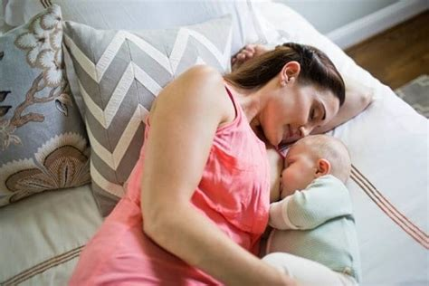 side lying position babymama