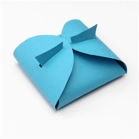 Small Boxes Out Of Paper - make your own paper gift box lines across