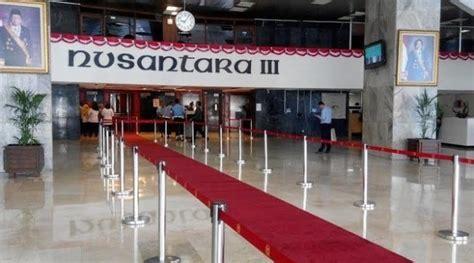 Karpet Gedung karpet merah yang selalu terpasang di gedung dpr menuai