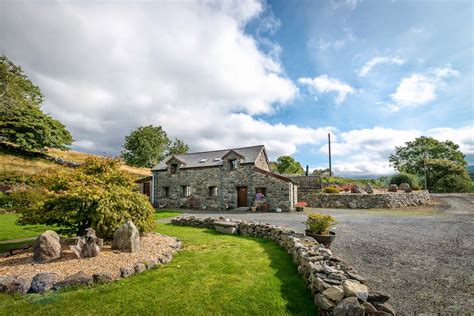 Snowdonia Farm Cottages by Farm Cottage With Mountain Views Beudy Penardd