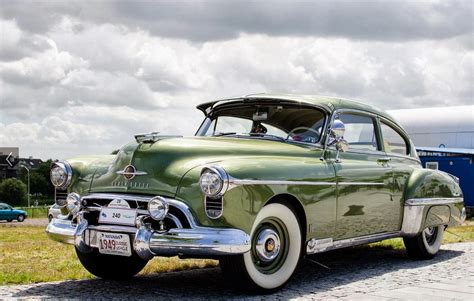 oldsmobile rocket 88 the world s first muscle car