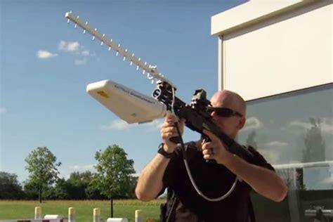 Drone Anti Air battelle demos a handheld anti drone gun defense systems