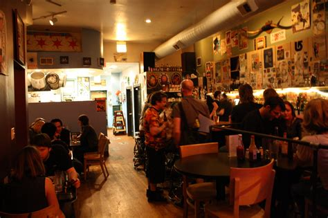 top bars in chicago avenue n guitars best bars in chicago staff picks